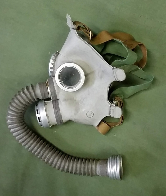 New Gray Youth Russian Gas Mask (Costume) [Mask, Bag, Filter]